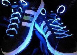 Светодиодные кроссовки от Adidas