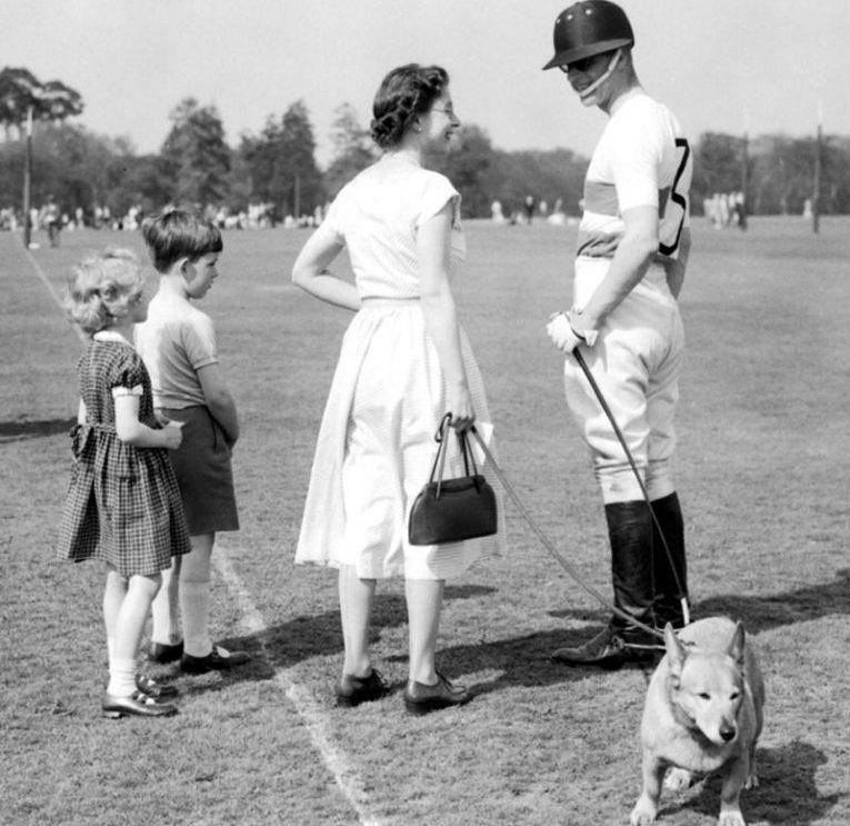 Какой была жизнь принца Филиппа, супруга Елизаветы II